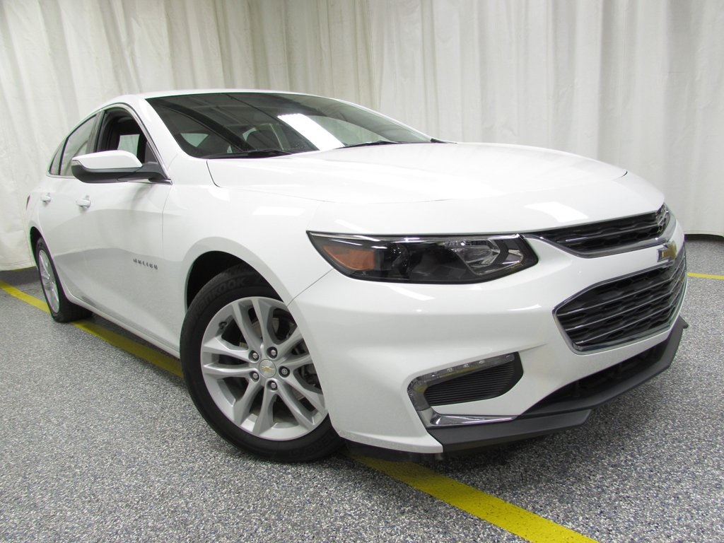 Certified Pre-Owned 2017 Chevrolet Malibu LT 1LT
