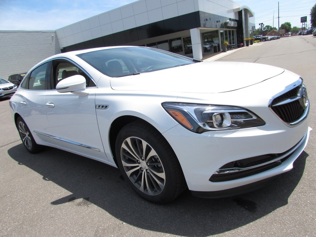 Buick LaCrosse: Buying New Tires