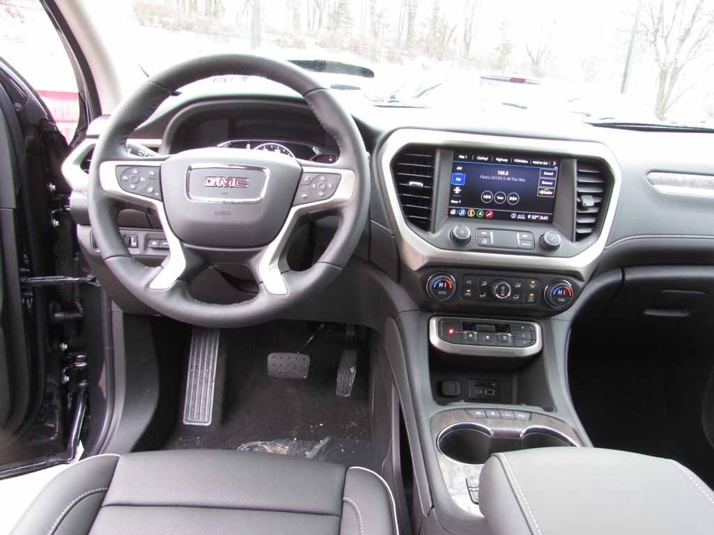 New 2020 GMC Acadia Denali Demo
