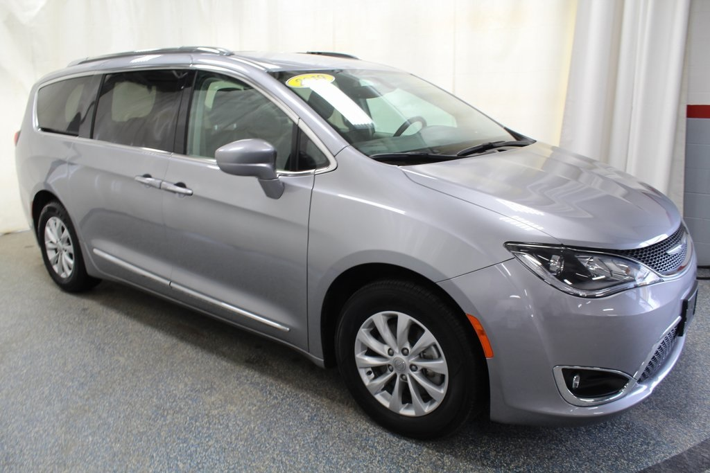 Pre-Owned 2019 Chrysler Pacifica Touring L